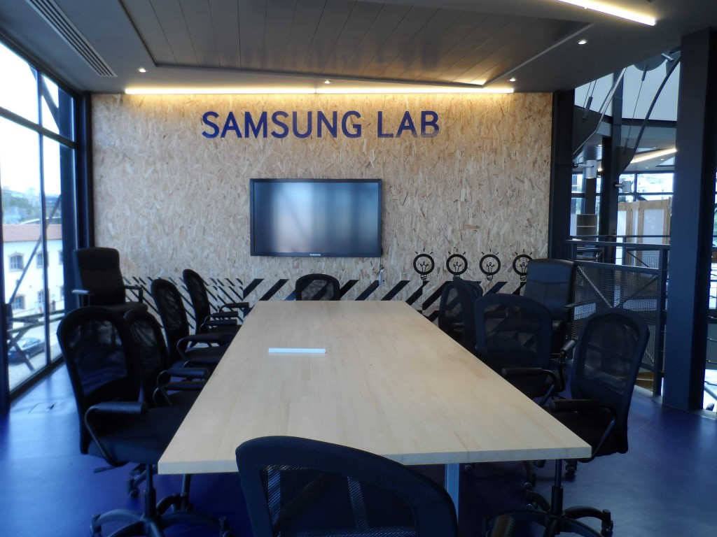 Samsung Lab-in2mobile-body
