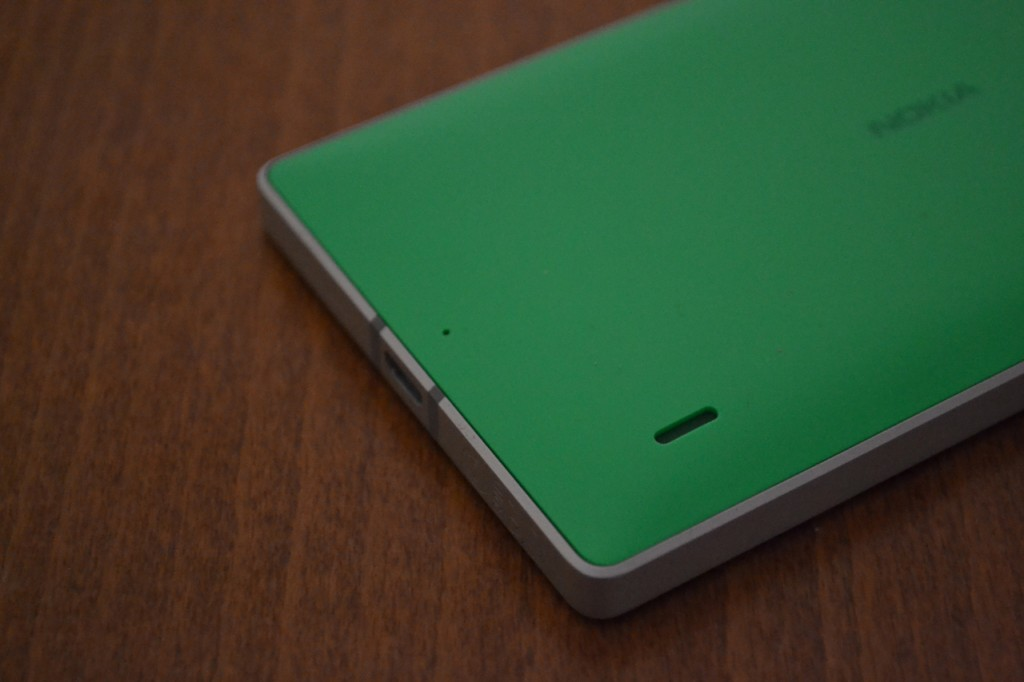 lumia-930-in2mobile-lower