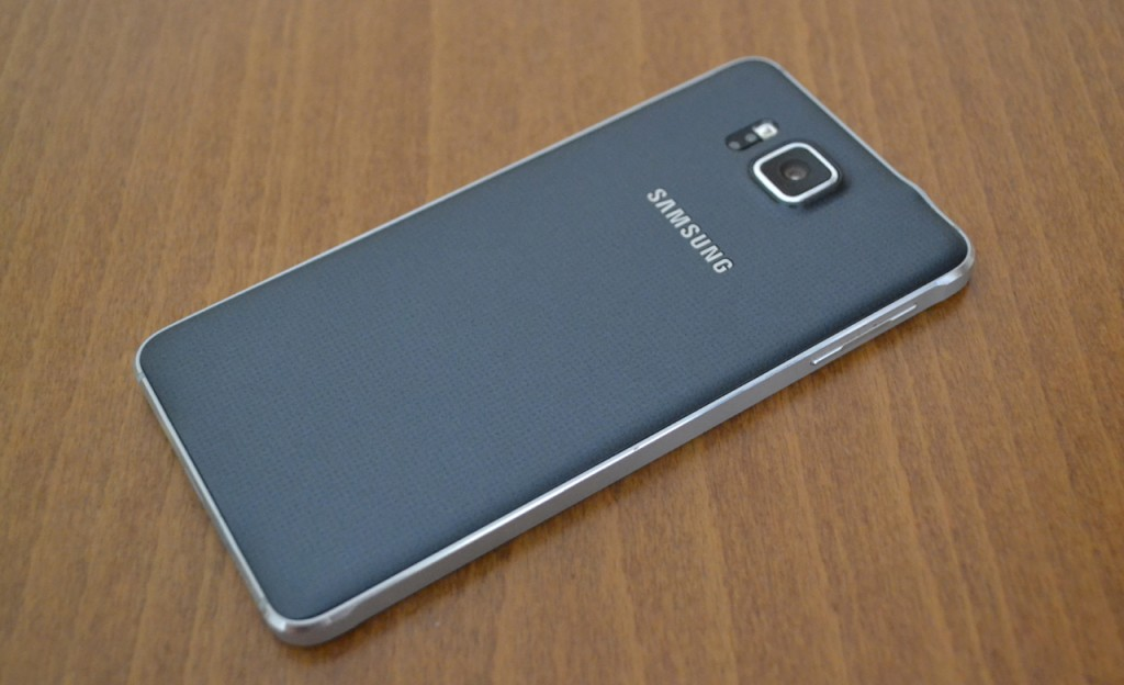 galaxy-alpha-in2mobile-back-full