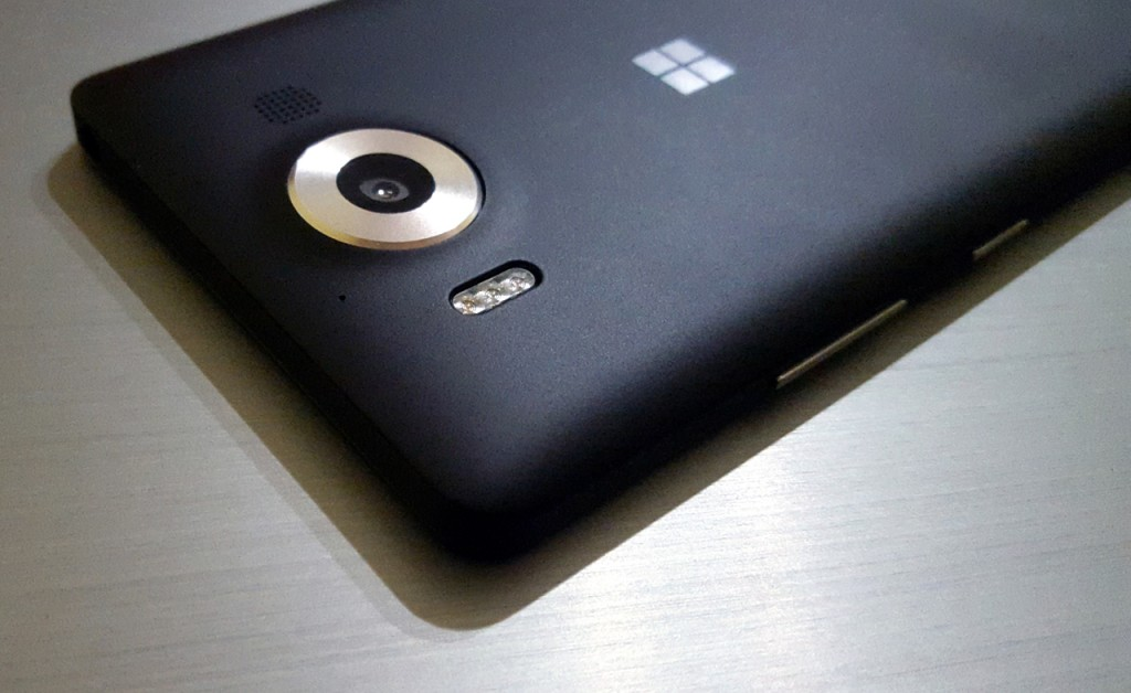 lumia-950-in2mobile (1)