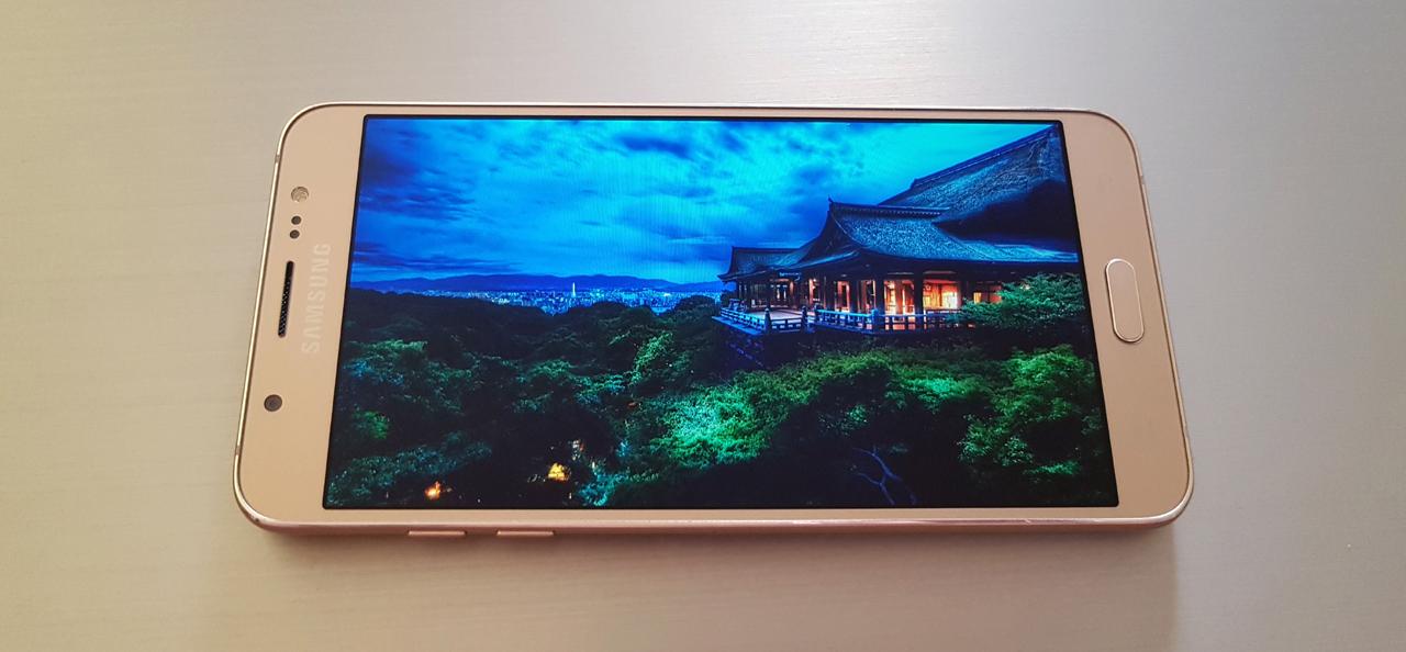 Samsung Galaxy J7 2016 Review (SM-J710F) : Αλουμίνιο και μεγάλη οθόνη