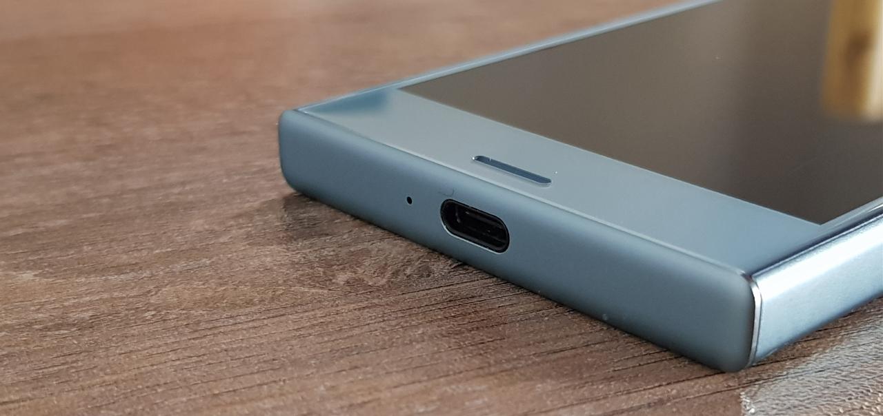 "Sony Xperia XZ1 Compact Review : Μικρότερο αλλά όχι ""μικρό"""